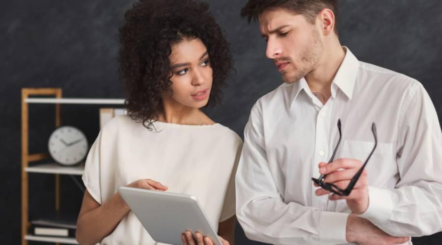 Beziehung am Arbeitsplatz – kann das klappen?